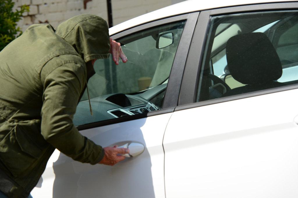 Snicker reccomend car vandals