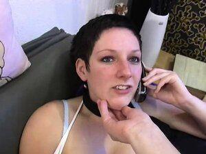 Blowjob beim Telefonieren