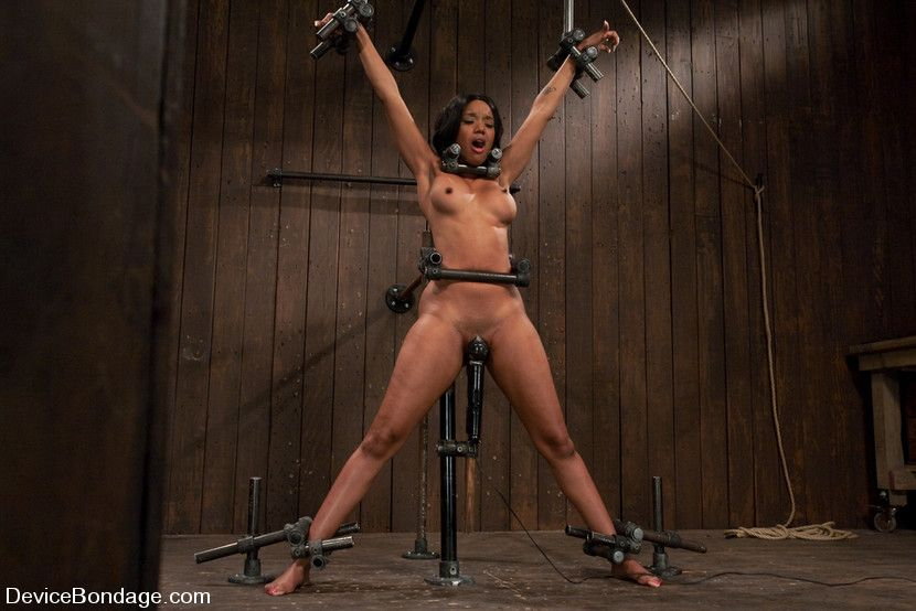 Black chicks in bondage pics