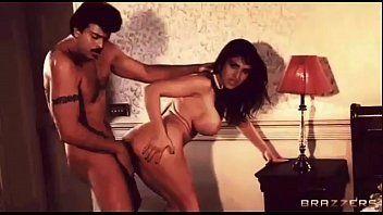 Dallas recommendet boob Meenakshi sheshadri