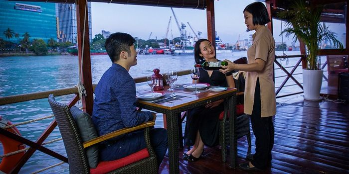 Cat's E. recommendet tours Asian river cruising