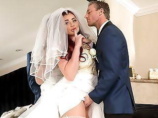 Venus reccomend Cheating brides in pantyhose