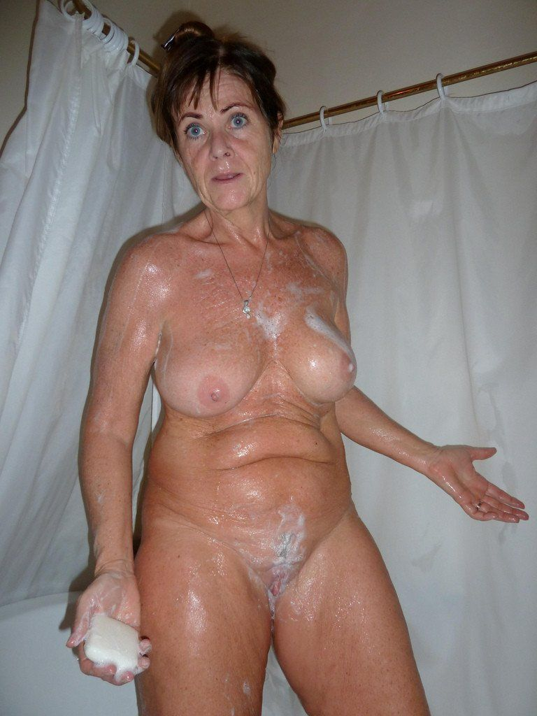 Old naked women amateur pics