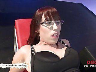 Queen C. reccomend jizz her glasses