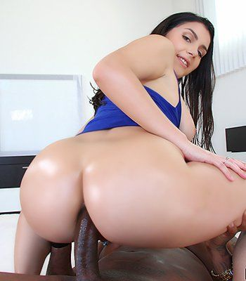Xxx photo big women ass