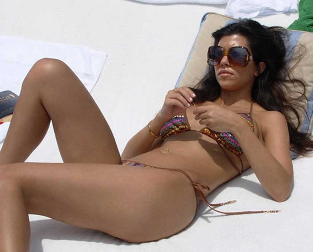 Kourtney kardashian having sex nude
