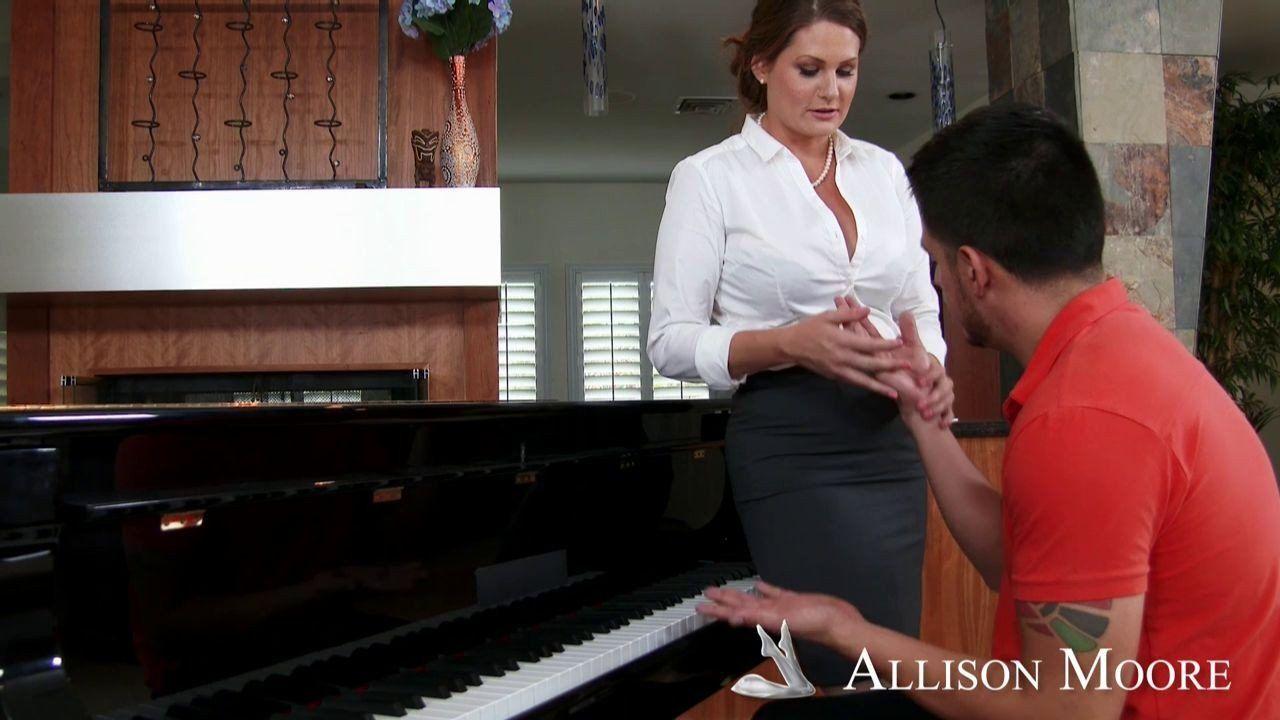 Dumpling reccomend Sexy piano milf pics