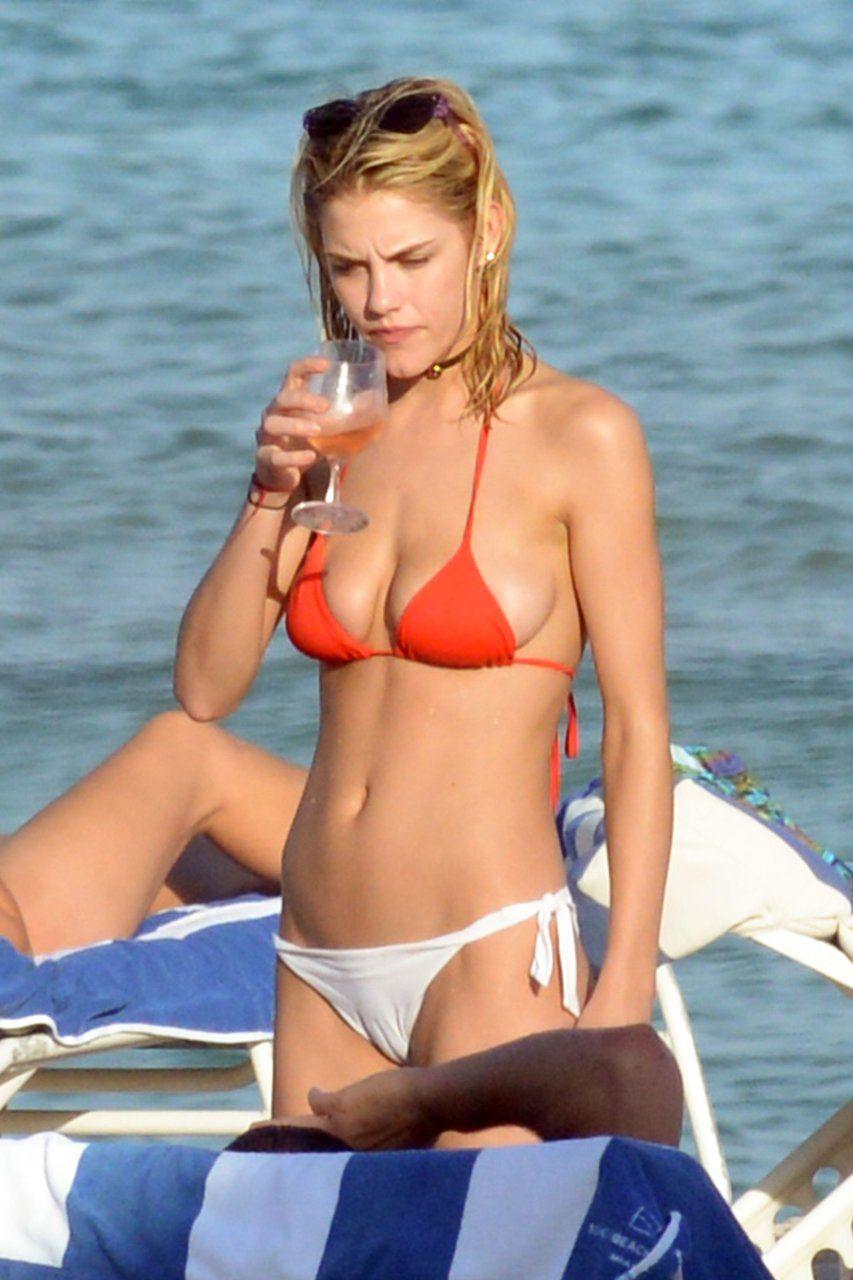 Einstein reccomend Ashly rae bikini beach