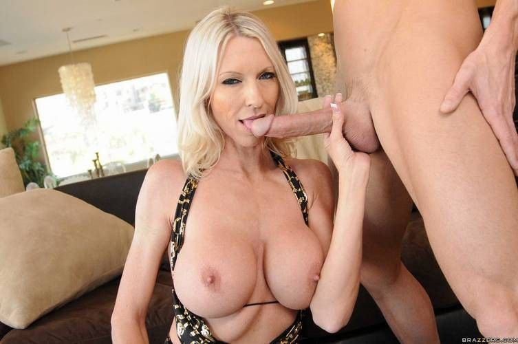Moonstone reccomend Milf taking a huge dick