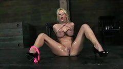 Queen C. recommendet humilitated Amateur big tits