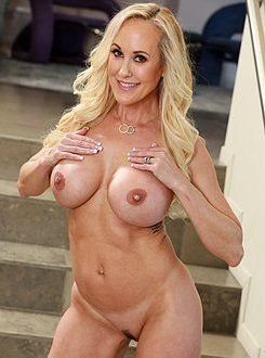 Epic MILF caught cheating; Fucks to keep scumbag quiet! (Brandi Love).