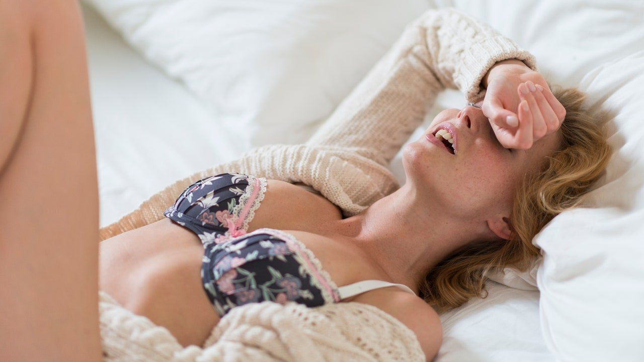 Short-Fuse recomended having orgasm stops just before Woman