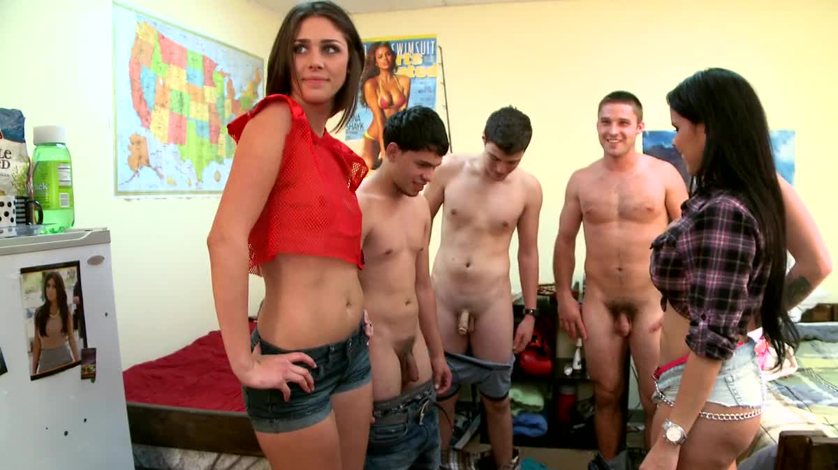 Girls nued with boys