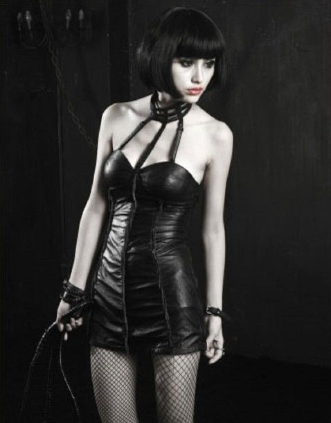 Mo reccomend Gothic fashion fetish