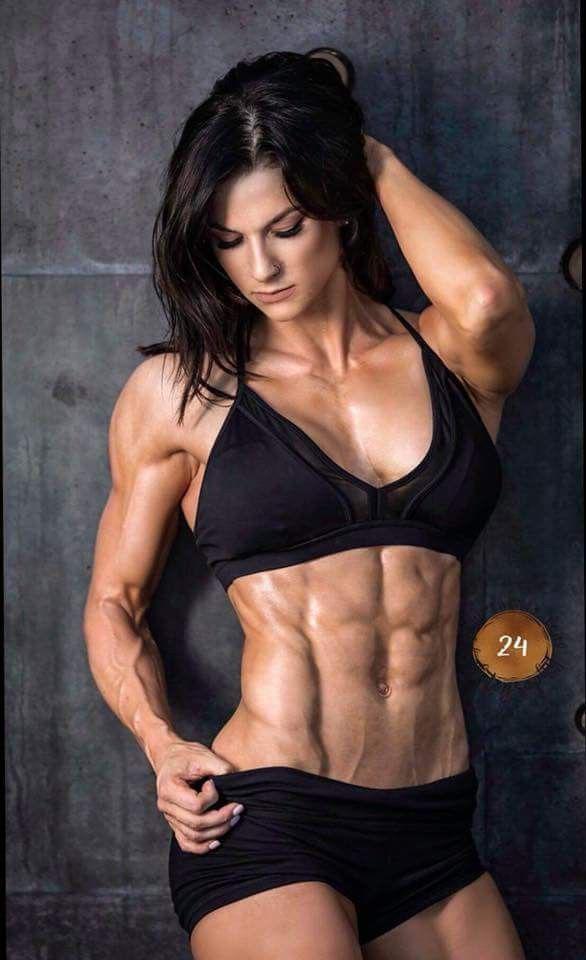 Model naked fitness Top 7
