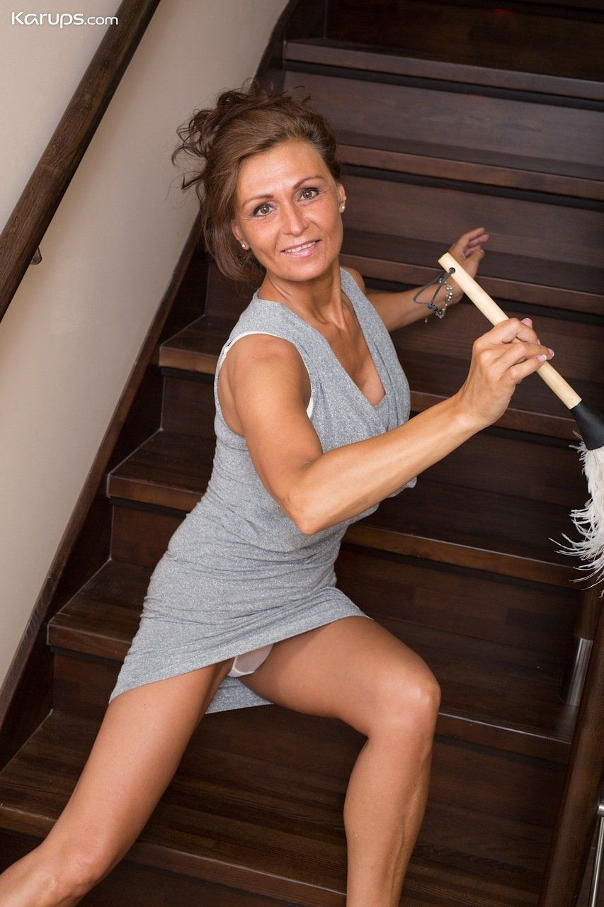 High T. reccomend My wife naked housework