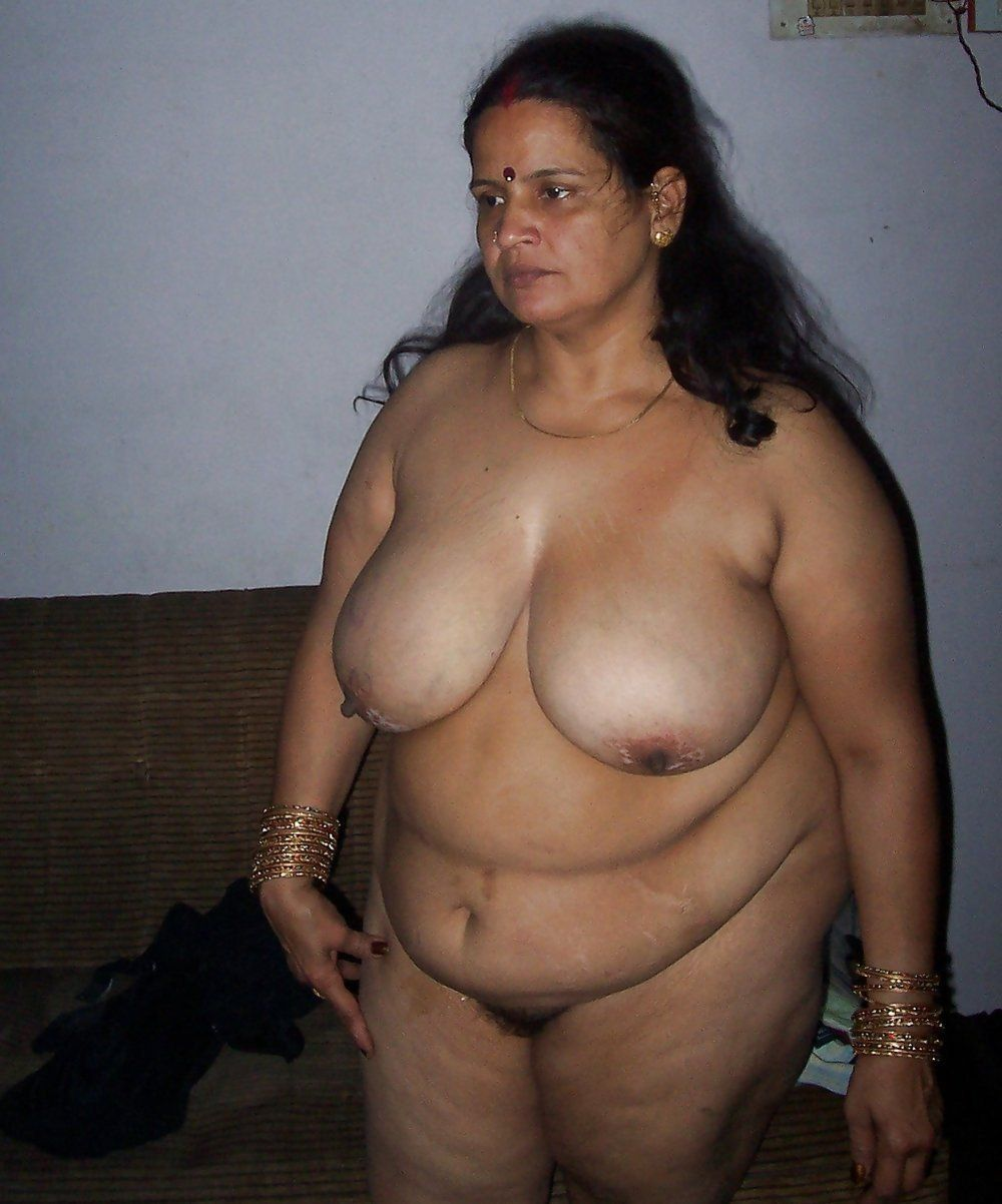 Indian Aunty fucked by Husband's friend.